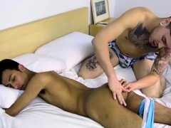 Jo Diamond gets his long boner licked and sucked by Lukas