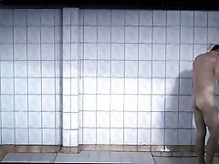 Mateusz Banasiuk - Plynace Wiezowce - Frontal Shower