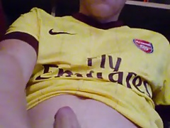 Gunners Fan fires his Gun