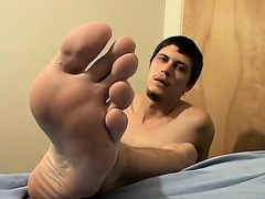 Free foot fetish emo porn video Thug Boy Bentleys Sticky Foo