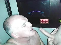 OLD QUEER MAN DEEPTHROATS TWINK'S LONG DICK!