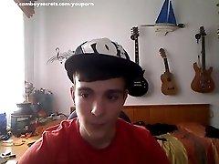 Webcam Boy Jerking Off And Cums