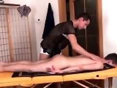 Twunk masseur toying his clients asshole